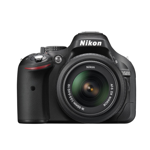 Nikon D5200 + Kit 18-55mm VR II