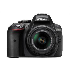 Nikon D5300 + Kit 18-55mm VR II