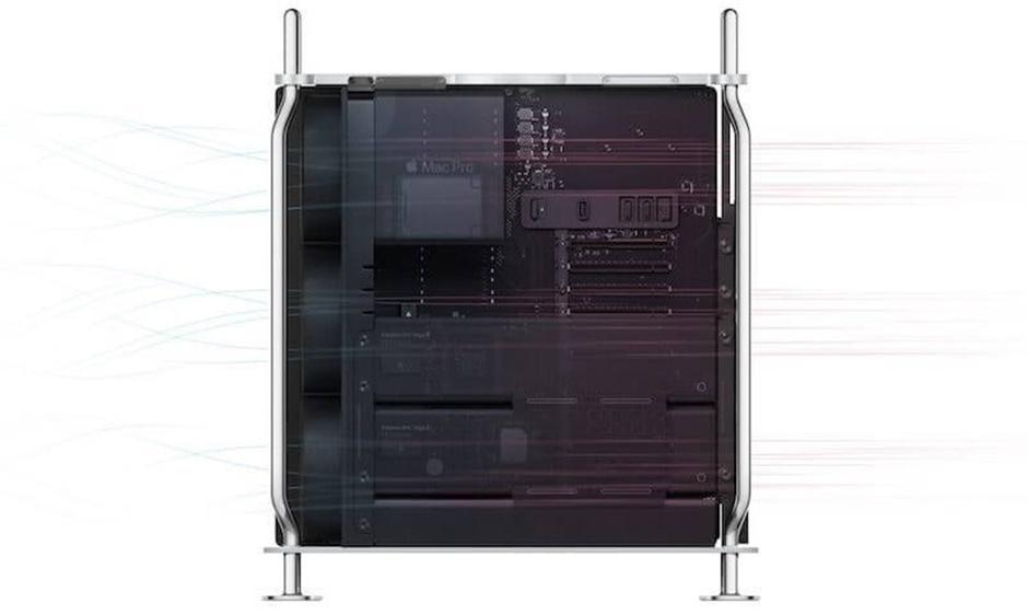 Mặt sau được làm từ nhôm vừa tăng tính thẩm mỹ, vừa cùng với hệ thống quạt và blower để giữ mát cho máy