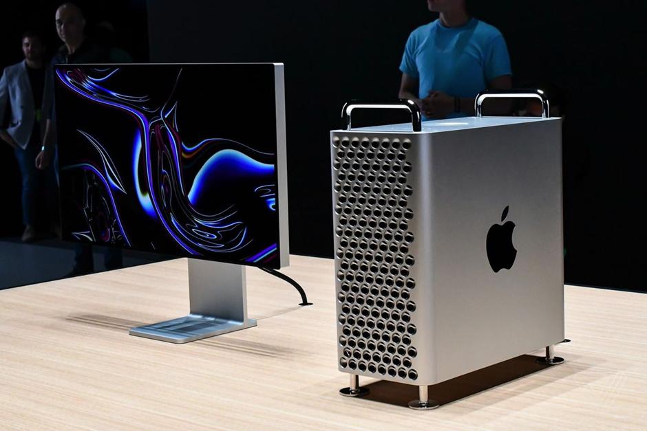 Sản phẩm được trang bị màn hình 6K với kích thước 32 inch, độ phân giải 6016 x 3384 và 20 triệu điểm ảnh